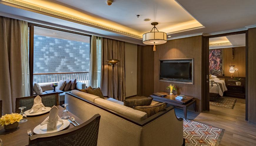 https://ramayanasuites.com/kuta/themes/ramasuites/assets/images/Product/Ramayana-Suites-Two-Bedroom3_870x469.jpg