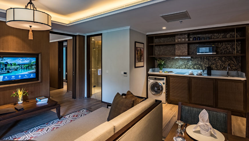 https://ramayanasuites.com/kuta/themes/ramasuites/assets/images/Product/Ramayana-Suites-Two-Bedroom7_870x469.jpg